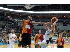 Dev Derbide İlk Raunt Fenerbahçe'nin