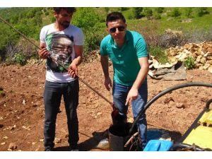 Su Ararken Petrol Buldu