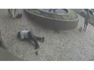 Polisten Hızlı Davrandı Ve...