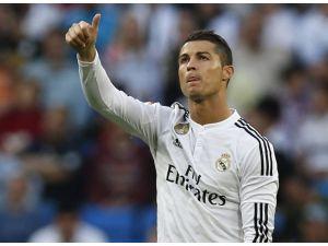 Ronaldo'dan Kariyer Rekoru