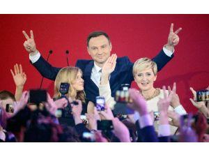 Polonya'da Seçimin Galibi Belli Oldu