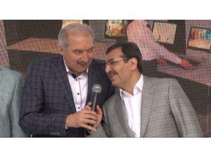 Bakan'ın Türkü Performansı