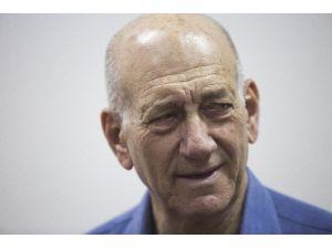Eski İsrail Başbakanına Hapis Cezası