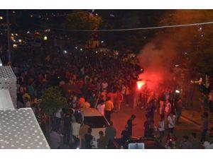 Şampiyonluğu 'Bursaspor' Tezahüratlarıyla Kutladılar