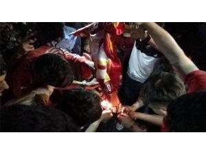 Diyarbakır'da Galatasaray Bayrağı Yakıldı