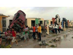 Meksika'yı Fırtına Vurdu: 13 Ölü