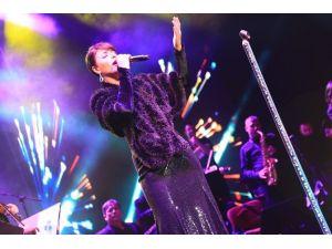 Zara'dan Yağmur Altında Müzik Şöleni