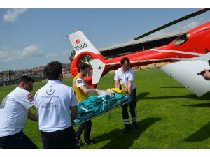 Küçük Çocuğun İmdadına Ambulans Helikopter Yetişti