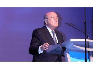 Blatter Vazgeçmiyor