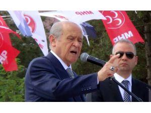 Erdoğan Ve Davutoğlu'nu Topa Tuttu