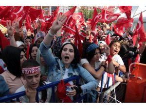 Erdoğan Adana'da Yoğun İlgiyle Karşılandı