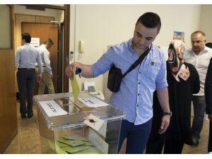 Milano'da Seçimlere Yoğun İlgi