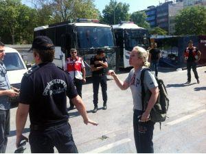Yabancı Kadınla Polis Arasında İlginç Diyalog