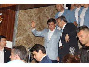 23 Saat Süren Temaslarının Ardından Diyarbakır'dan Ayrıldı