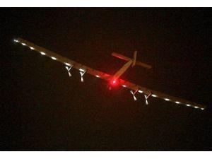 'Solar Impulse 2' Japonya'ya Zorunlu İniş Yaptı