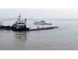 Çin'de 458 Kişiyi Taşıyan Gemi Battı!