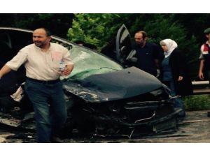 Otomobille Kamyonet Çarpıştı: 5 Yaralı