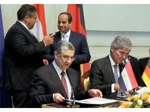 Siemens'ten Mısır'a 8 Milyar Euroluk Yatırım