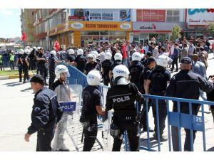 Demirtaş'ın Miting Öncesi Linç Girişimi