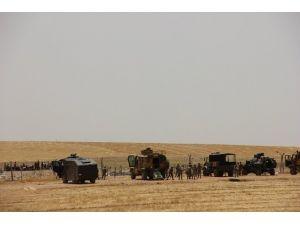 Suriyeliler Türkiye Sınırına Kaçıyor