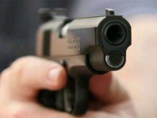 Ataşehir Belediyesi Önünde Silahlar Konuştu