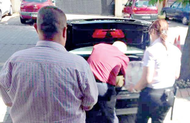 CHP'li başkandan resmi araçla rakı servisi!