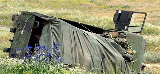 Askeri araç kaza yaptı Gölcüklü uzman çavuş yaralandı
