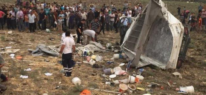 Korkunç kaza! 6 ölü, 25 yaralı