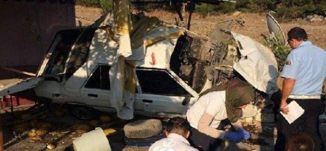 Otomobil kavun tezgahına çarptı: 1 yaralı