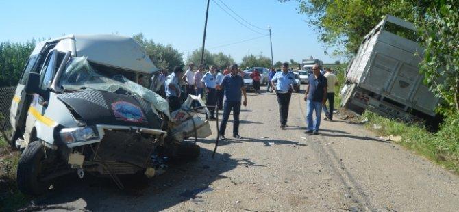 Öğrenci Servisi Kaza Yaptı! 3 Yaralı