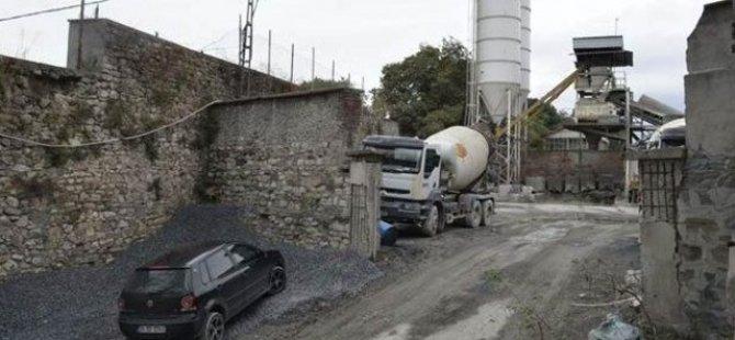 Tarihi Haliç Tersanesi'ne beton santrali