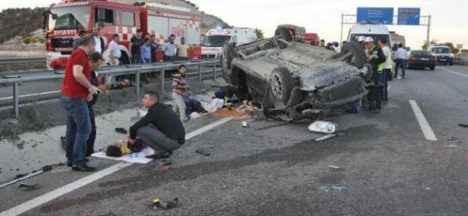 Takla atan araçta 1 ölü 6 yaralı!