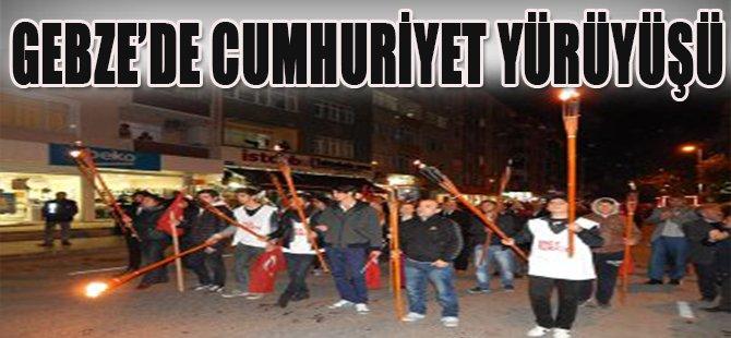 Gebze'de Cumhuriyet Yürüyüşü