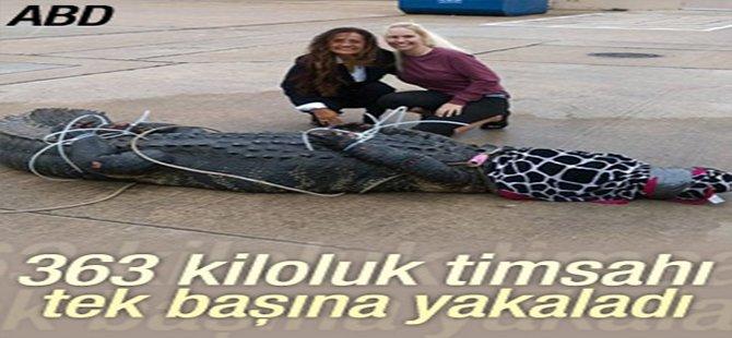 363 kiloluk timsahı tek başına yakaladı