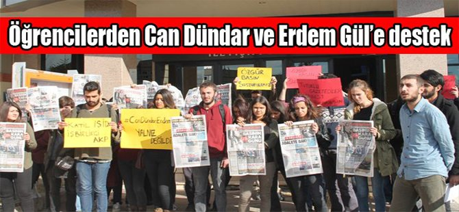 Öğrencilerden Can Dündar ve Erdem Gül'e destek
