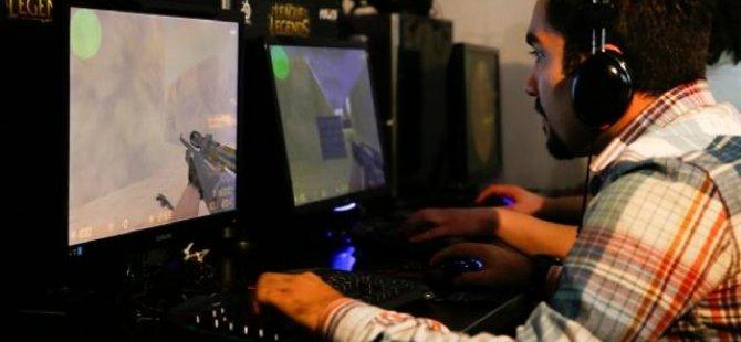 Bilgisayar Oyunu Oynayarak Milyon Dolarlar Kazanıyorlar