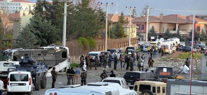 Diyarbakır'da büyük patlama: 7 polis şehit