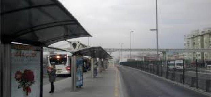 Avcılar Metrobüs Durağında Panik!