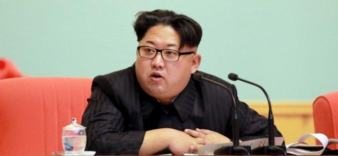 Kuzey Kore'de Kot Giymek Yasaklandı