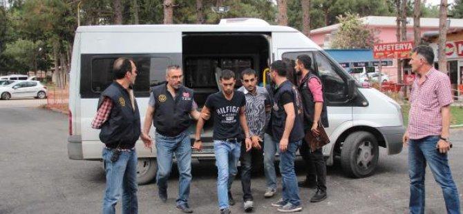 Yol kesen PKK'lılar Tutuklandı