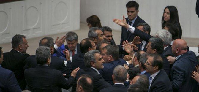 Meclis'te 'Terörist' Kavgası