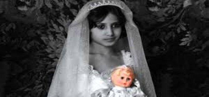 Cinsel İstismarcısıyla Evleniyor