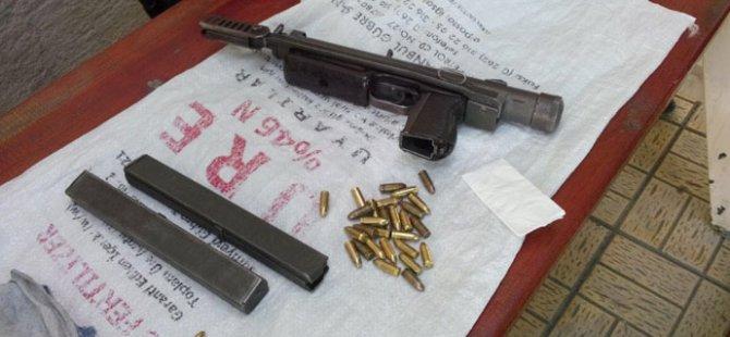 Durdurulan Araçta Suikast Silahı Ele Geçirildi