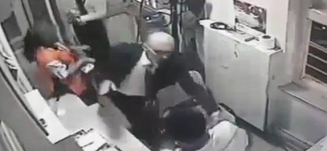 Bakan Copla Güvenlik Görevlisi Dövdü