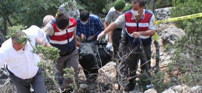 Erdemli'de başı taşla ezilen erkek cesedi bulundu