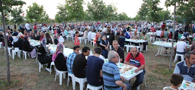 Çayırova'da 5 bin kişilik iftar