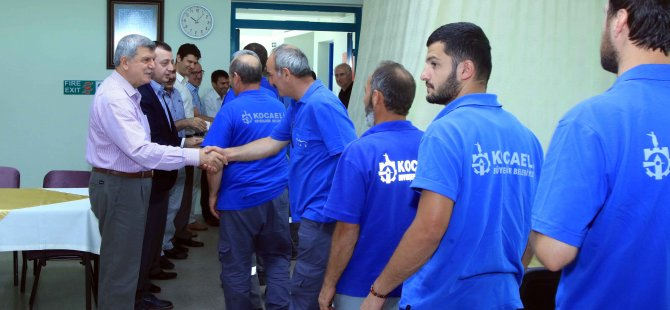 İzmit Su çalışanlarıyla bayramlaştı