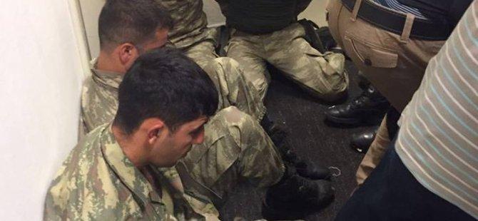 1 Albay 3 asker gözaltına alındı
