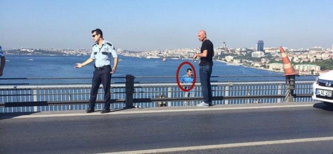 Polise ateş eden albayı polis kurtardı