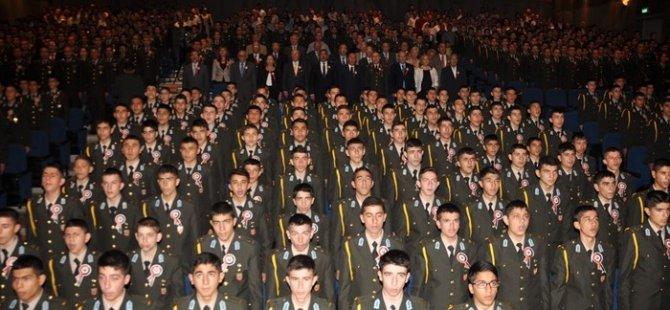 15 yaşındaki askeri lise öğrencisi:Boyum kadar tüfek verdiler